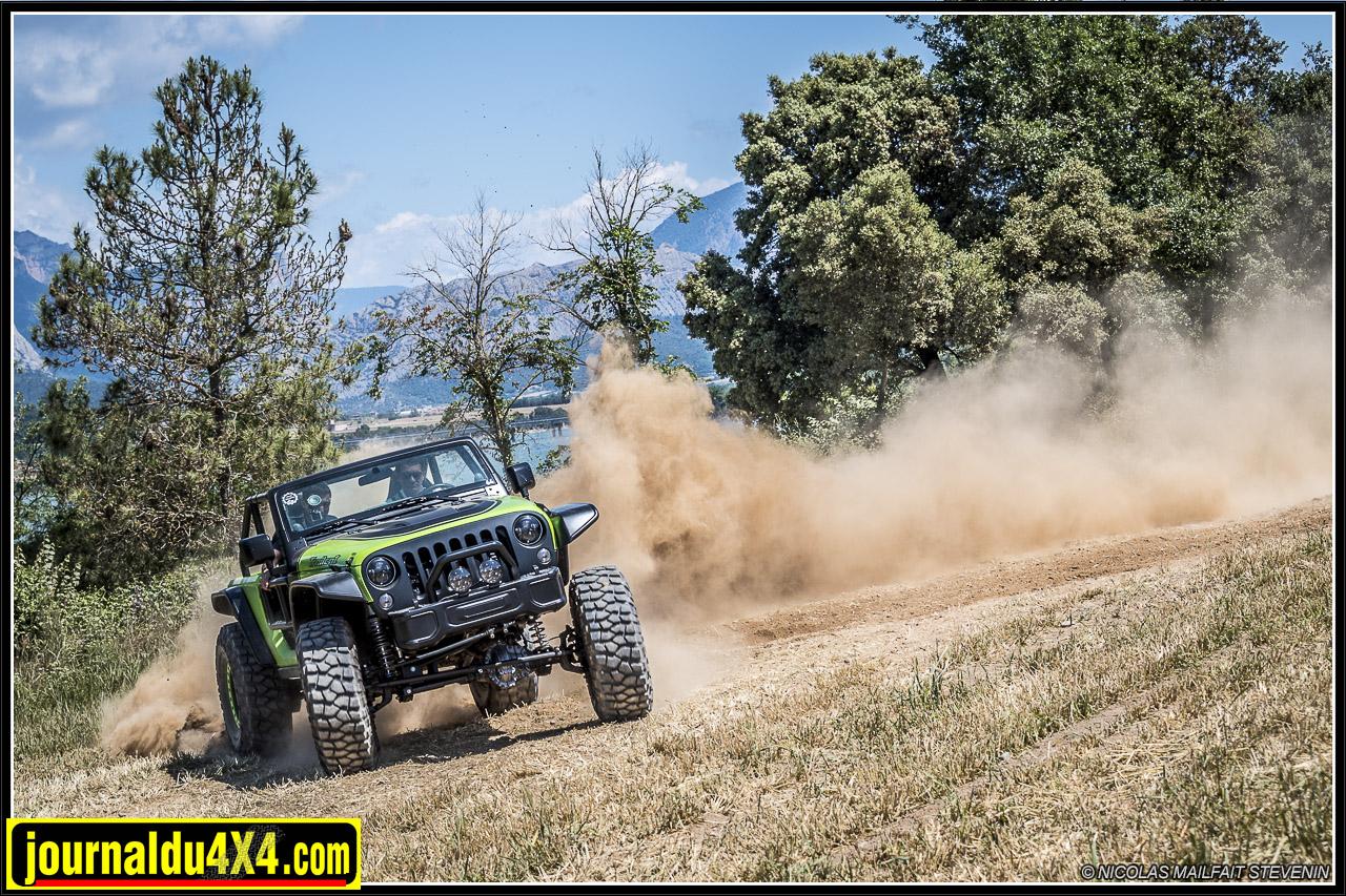 Jeep-trailcat-hellcat-v8-wrangler-6377.jpg