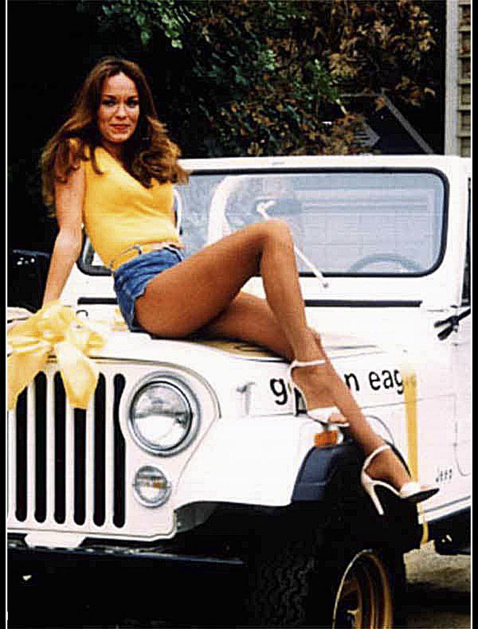 La version Golden eagle sera la plus célèbre des versions et série limitées de cette époque en grande partie grâce à l'actrice Catherine Bach qui interpréta durant 147 épisodes Daisy la sœur des turbulent frères de la famille Duke du feuilleton télévisé Shérif fais-moi peur. Sa voiture était un version Golden eagle blanche surnommée Dixxie. Elle trône aujourd'hui dans un musée de Hazzard à Nashville.