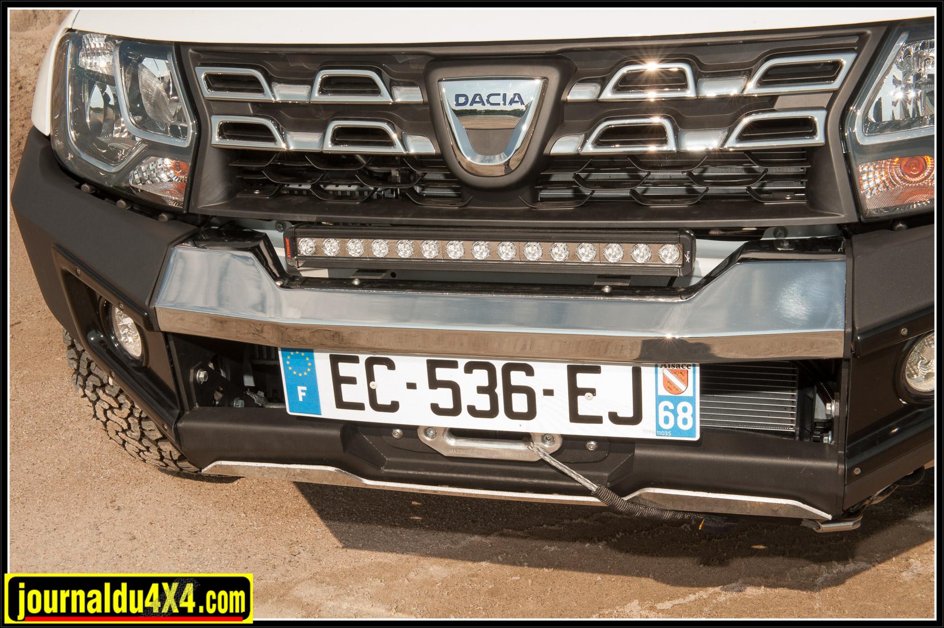 Une barre à LED de Vision X complète avantageusement l'éclairage du véhicule