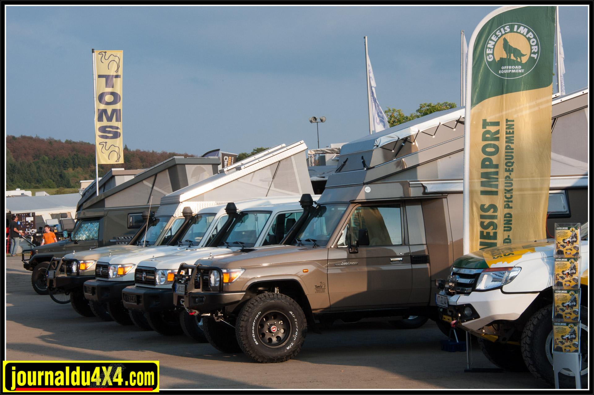 Tom est venu avec de nombreux véhicules tout équipés pour un voyage autour du monde. La base des réalisations reste le HZJ 78 ou 79.