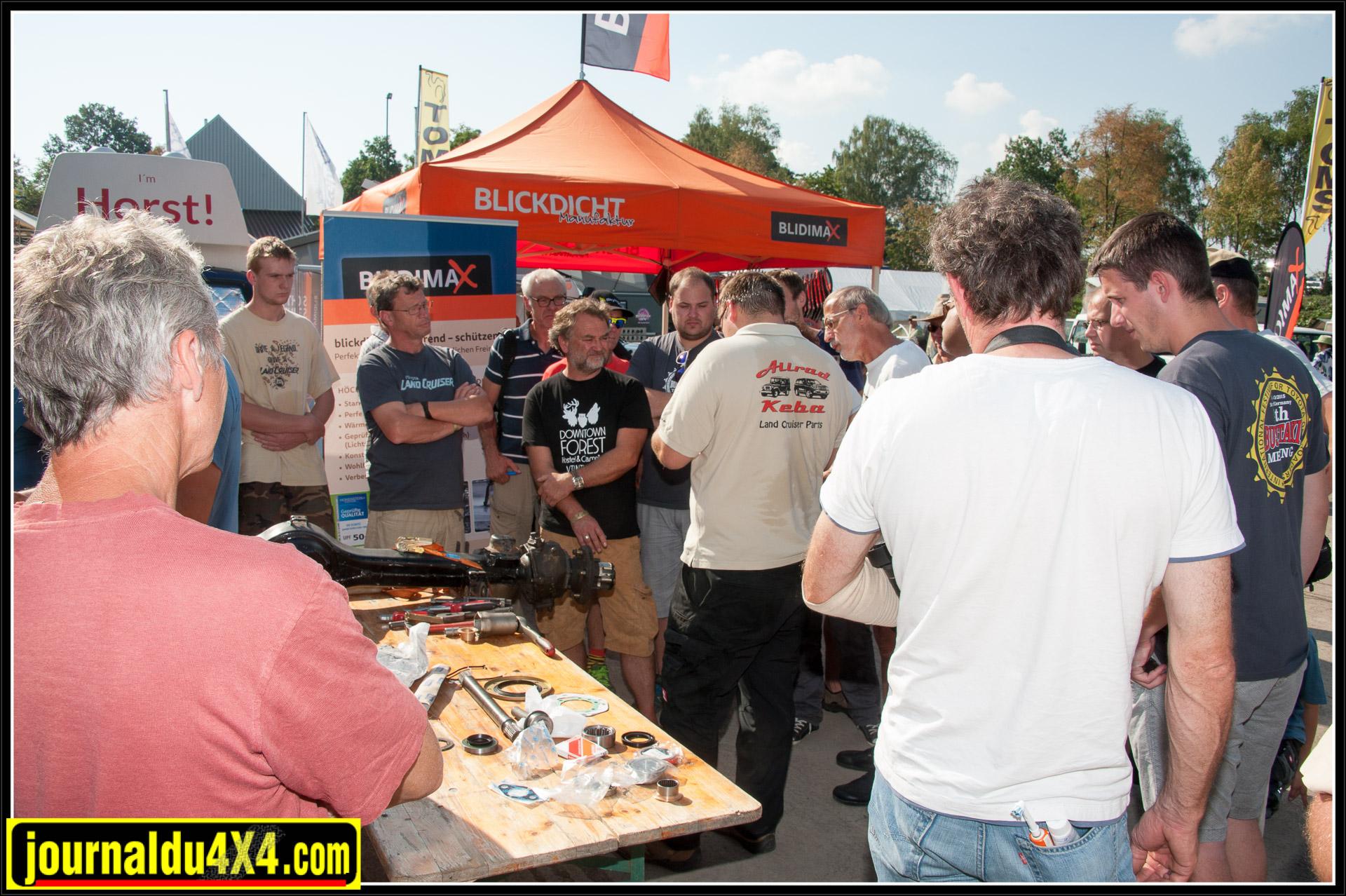 Comme d'habitude, des workshops mécaniques sont organisés sur son stand.