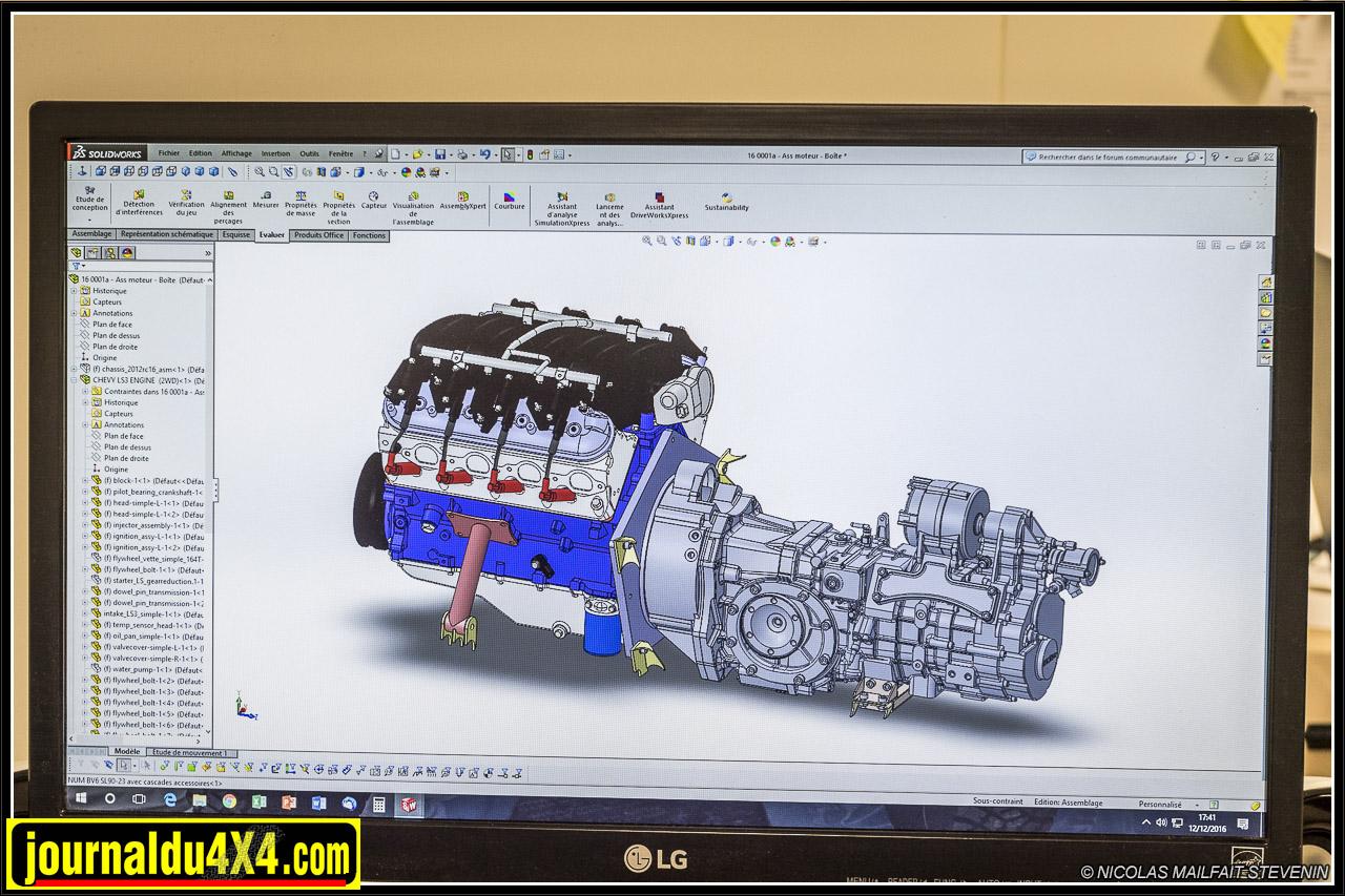 ici on voit le V8 accouplé avec la boîte de vitesse séquentielle SADEV
