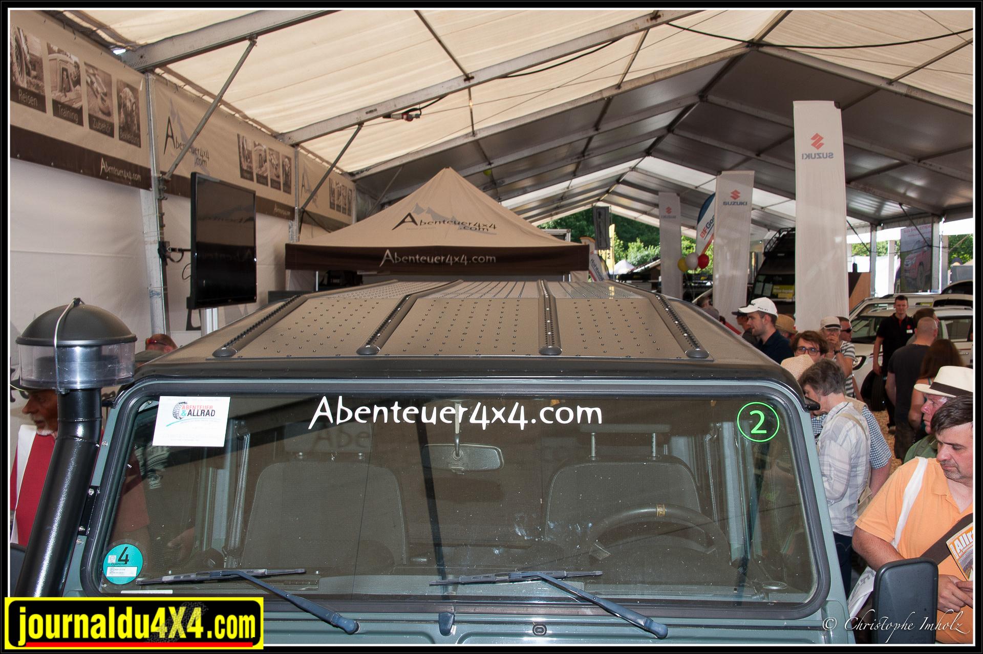 Galerie fixée directement sur le toit du Defender