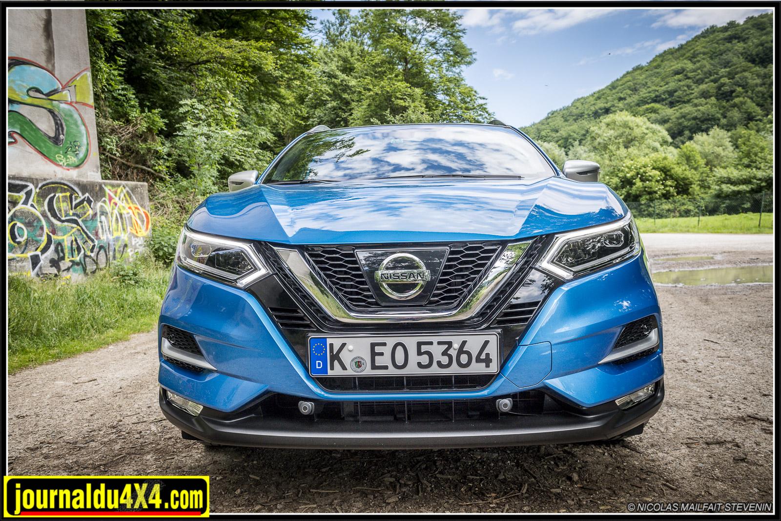 les changements de style les plus notables du Nissan Qashqai 4x4 sont sur la face avant.