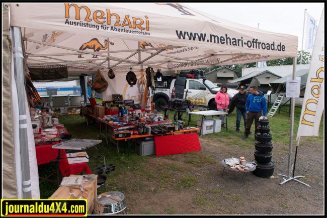 Méhari propose, en plus des tentes de toit Eezi Awn, toute une série de produits pour le bivouac