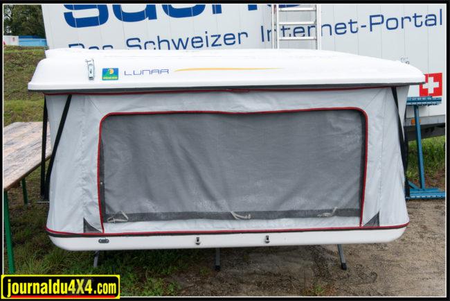 Sur le stand de Xp-Edition trône la dernière née des tentes de toit Howling Moon