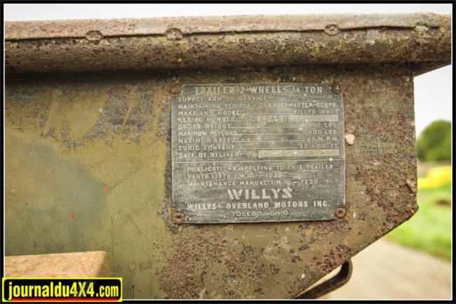 Les plaques d'identification étaient toujours placées à l'avant gauche de la remorque