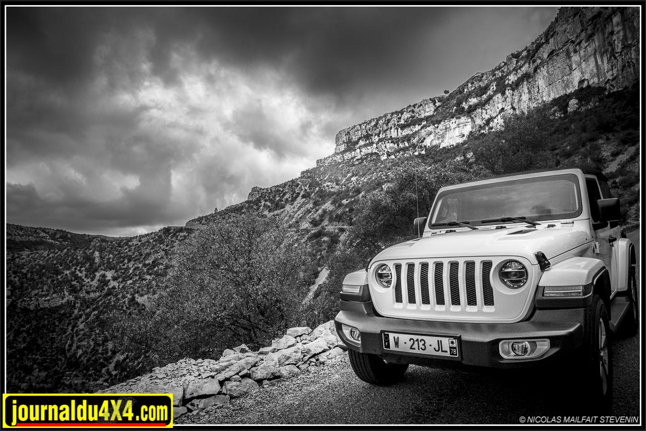 La nouvelle Jeep Wrangler JL dans son environnement favori, un grand espace