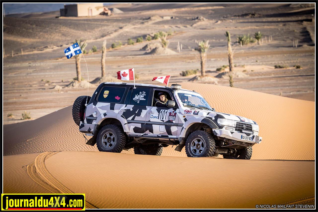 HDJ 80 dans les dunes, c'est Carl qui prend le volant