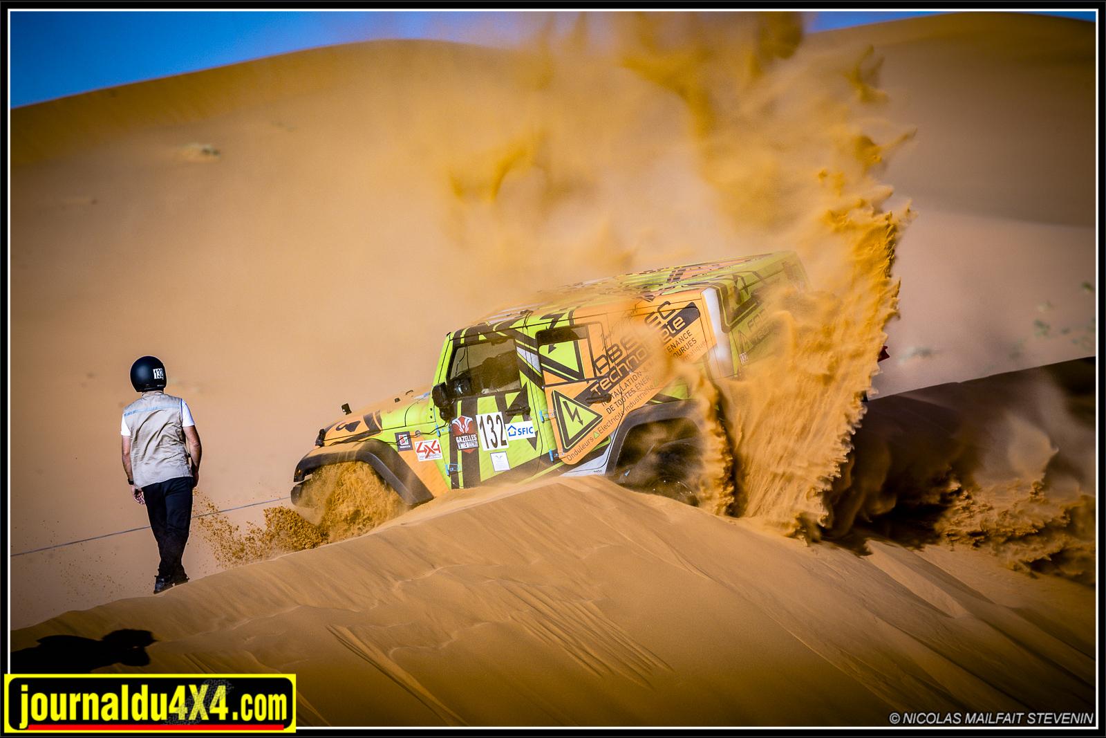 Avec trop peu de gaz on se plante au dessus des dunes !