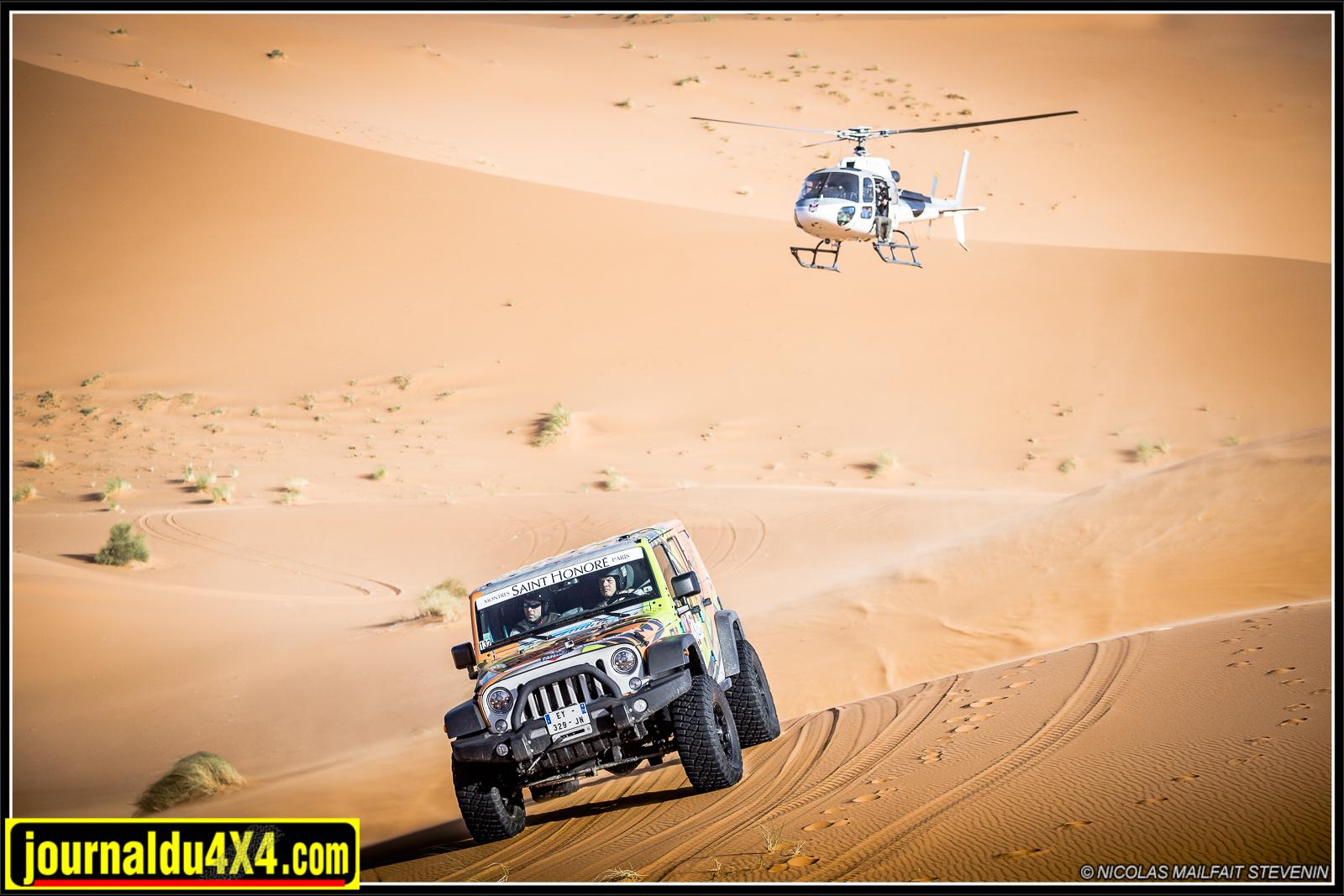 La sécurité étant primordiale, sur le Gazellesz And Men, un hélicoptère médicalisé est présent.
