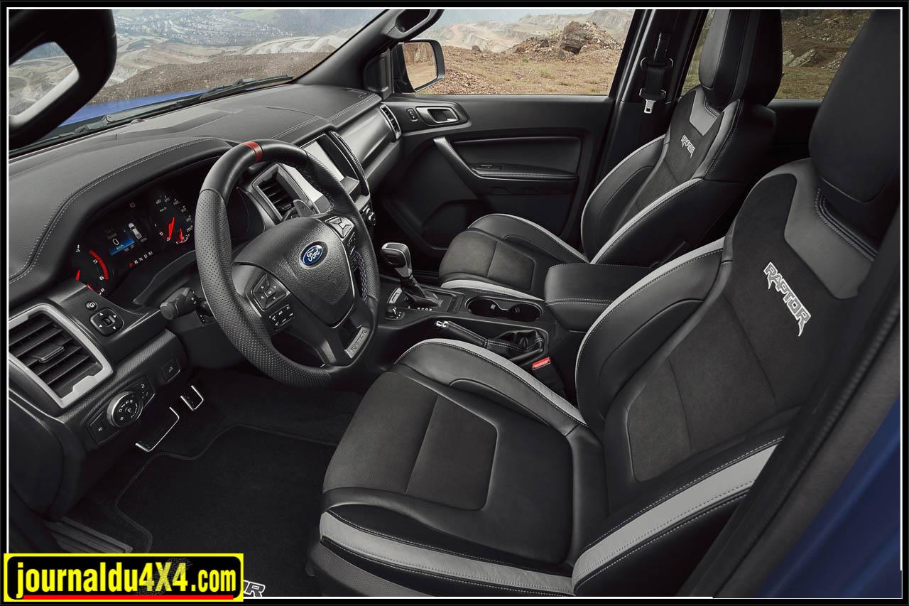 Le Ford Ranger Raptor aurait surement mérité un intérieur un peu plus haut de gamme
