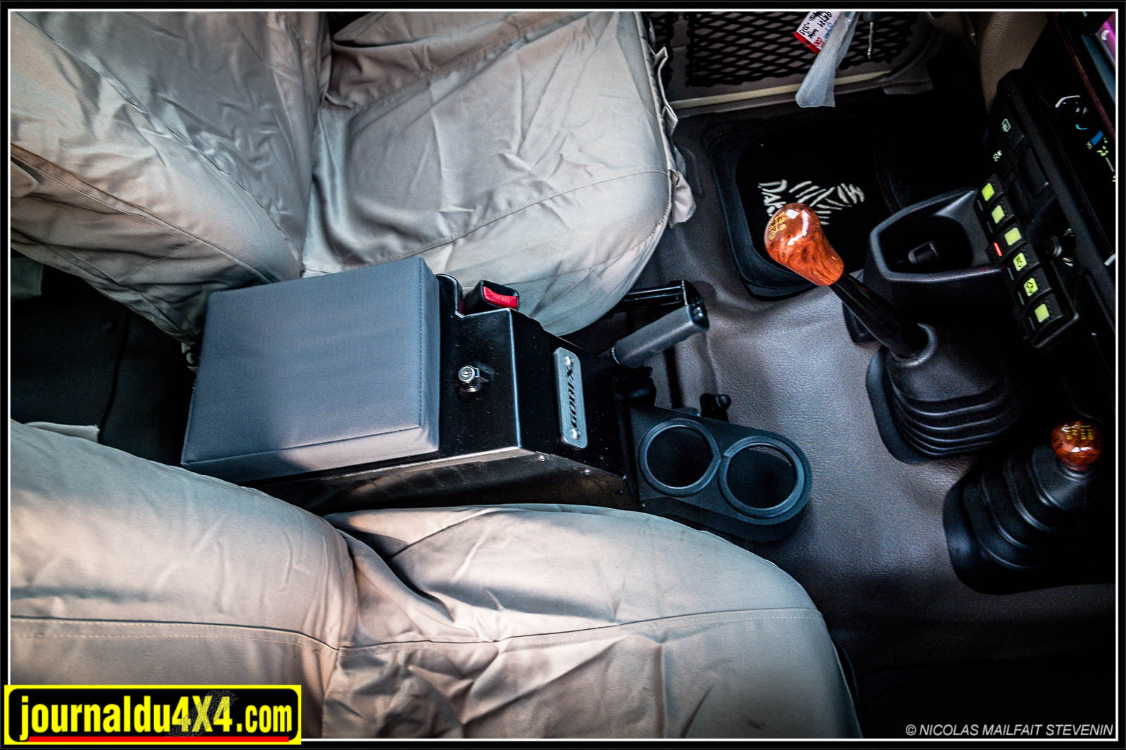Une console centrale Gobby pour Land Cruiser