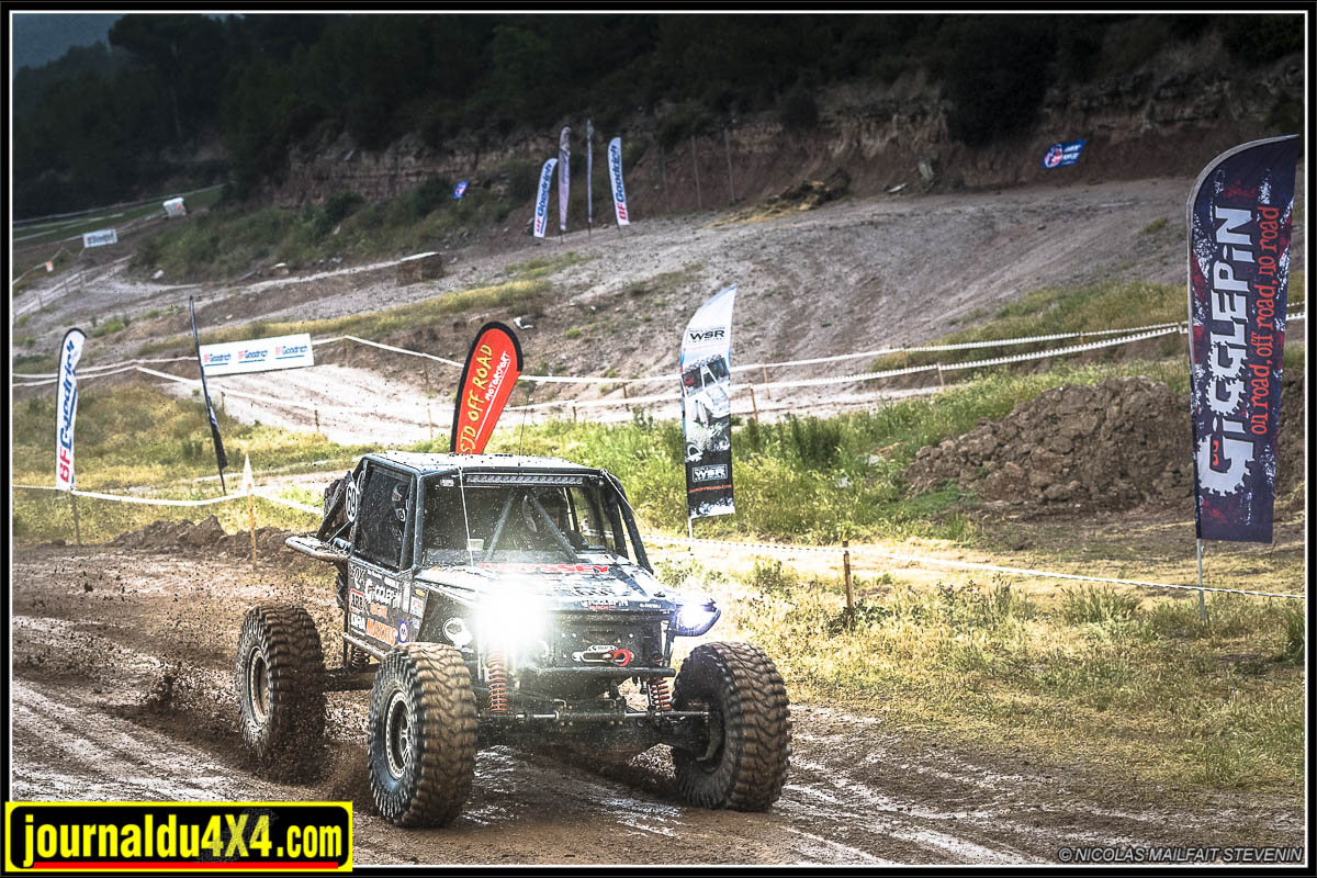 King Of Spain Le Comes Ultra 4 : la course JOUR 1