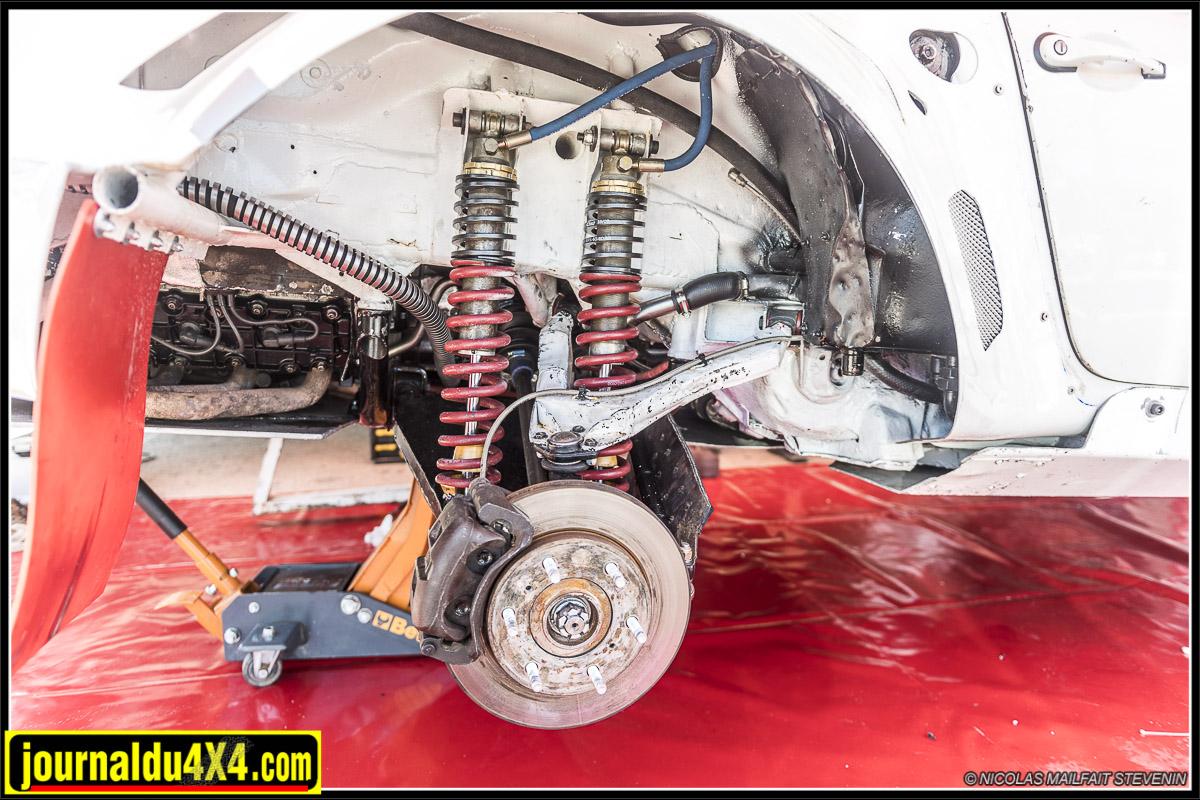 un gros travail a été nécessaire pour adapter les ponts et les suspensions sur cette 911
