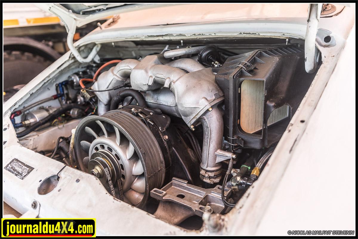 moteur Porsche 4x4 3.6 litre qui développe 300 ch pour 42 mkg de couple