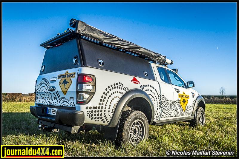 Ford Ranger avec hard top Rockalu.