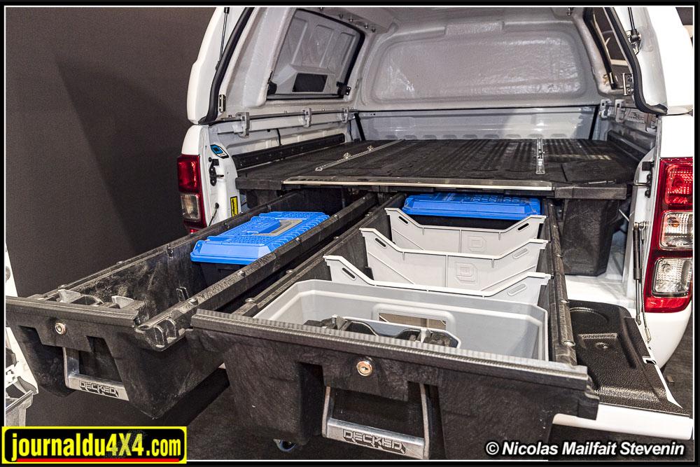 Très costaud, les tiroirs Decked peuvent recevoir des cloisons de séparations et des boîtes spécialement adaptées.