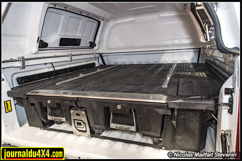 Les tiroirs Decked sont compatibles avec les tonneaux cover et hard top pour pick up.
