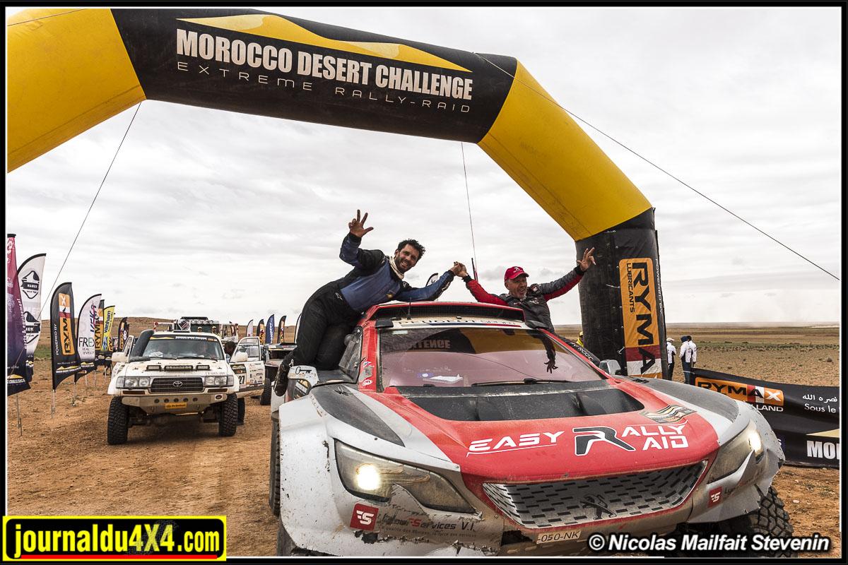 Jean Pascal Besson, copiloté par Sébastien Delaunay à l'arrivée du Morocco Desert Challenge 2019.