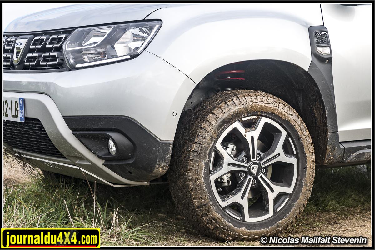 Quel pneus pour un Duster : ici des General Tire Grabber AT3 en 215/60 R17