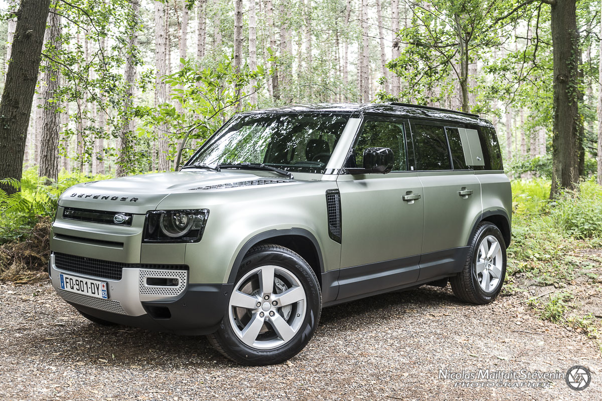 la silhouette du nouveau Land Rover Defender s'arrondit, normal et dans l'air du temps, les armoires normandes ça manque quand même un peu d'aérodynamisme.