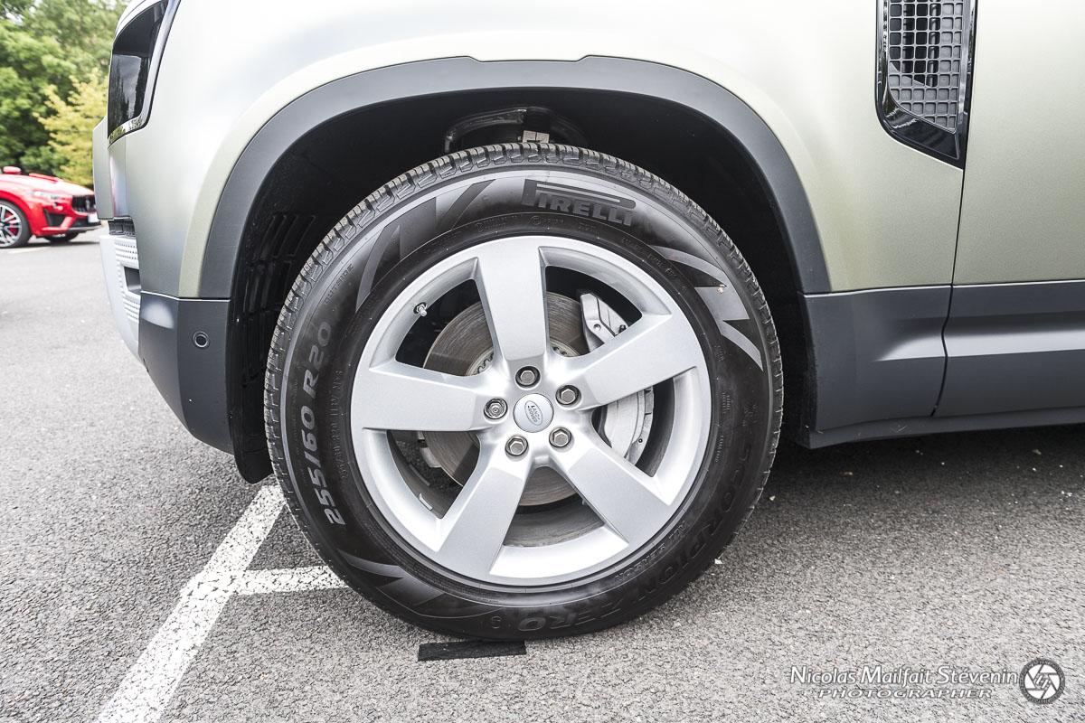 """Des jantes en 20"""" piour ce modèle, l'entrée de gamme sera elle en 18"""". Autant vous dire que pour le moment on trouve peu de pneus TT adaptés à cette taille."""