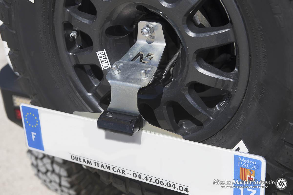 Support de plaque pour Suzuki Jimny.