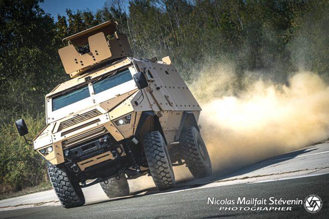 ARQUUS Fortress Mk 2 véhicule blindé 4x4 de transport de troupe8917